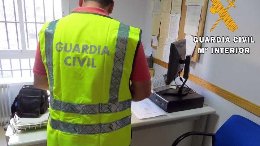 La Guardia Civil ha detenido al responsable de la agencia de viajes.