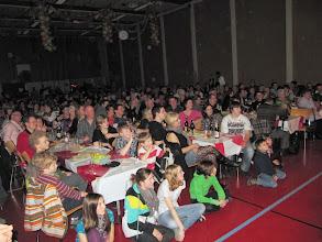 Photo: Sehr aufmerksame Zuhörinnen und Zuhörer im vollbestzten Saal