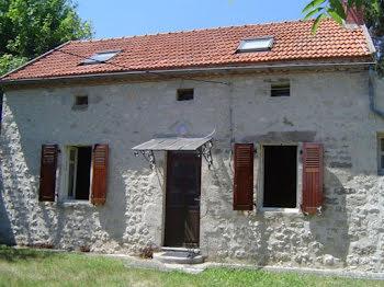 maison à Naves (03)