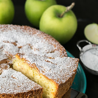 Apple Sharlotka Recipe (Russian Apple Cake) Recipe