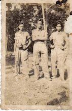 Photo: TKR (Tentara Keamanan Rakyat) pada masa revolusi. Dari kiri : Lempa, M.Kasim, Hamid. http://nurkasim49.blogspot.com/2011/12/v.html