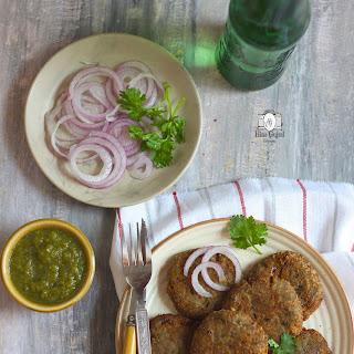 Kachhe Kele Ke Kebab Recipe (Gluten Free Raw Banana Fritters)