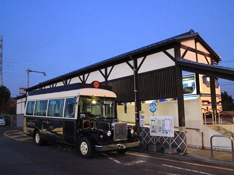 産交バス「じゅぐりっと号」 ・・35 人吉インター乗降口にて