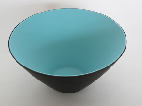 """Photo: Nason, Carlo; Vincenzo Nason & C. Glassworks. Opaque black and blue two-layer glass; mold-blown. Ground top rim, tapered to small base area; both inner and outer surfaces have hydrofluoric acid """"satin"""" finish. Corning Museum."""