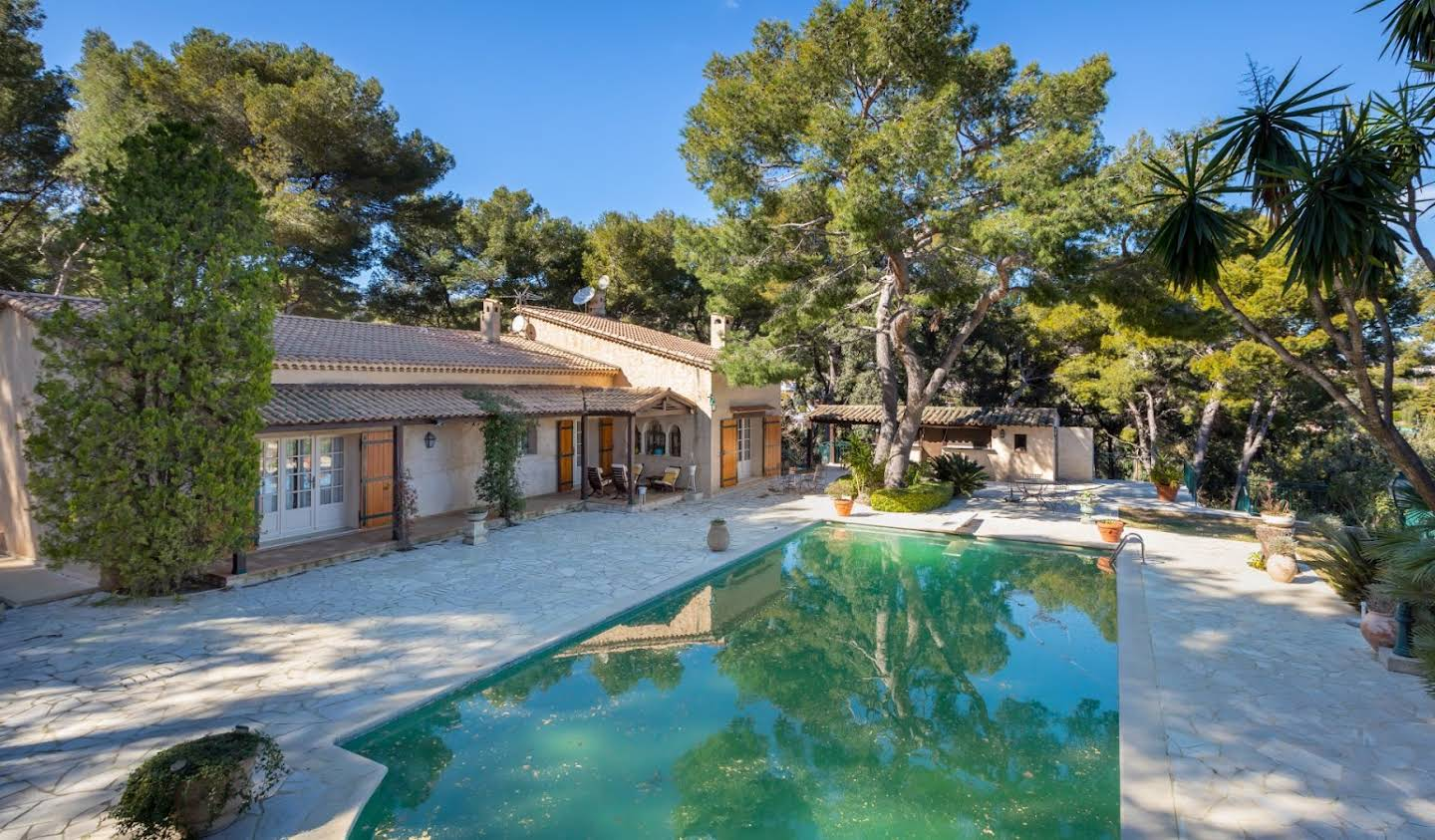 House with pool Vallauris