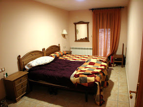 Photo: Habitación con dos camas de 1,05m. Hay otra habitación con otra cama de 1,5m.