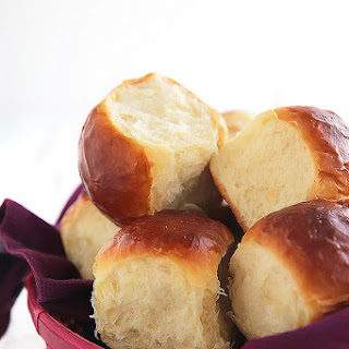 Ultra Fluffy Milk Bread Rolls.