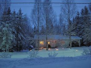 Photo: + 15 min - katuvalot syttyneet ja muuttavat = häiritsevät vaikutelmaa.. 30.12.2009..
