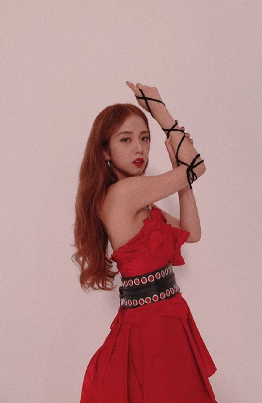 jisoo red 50