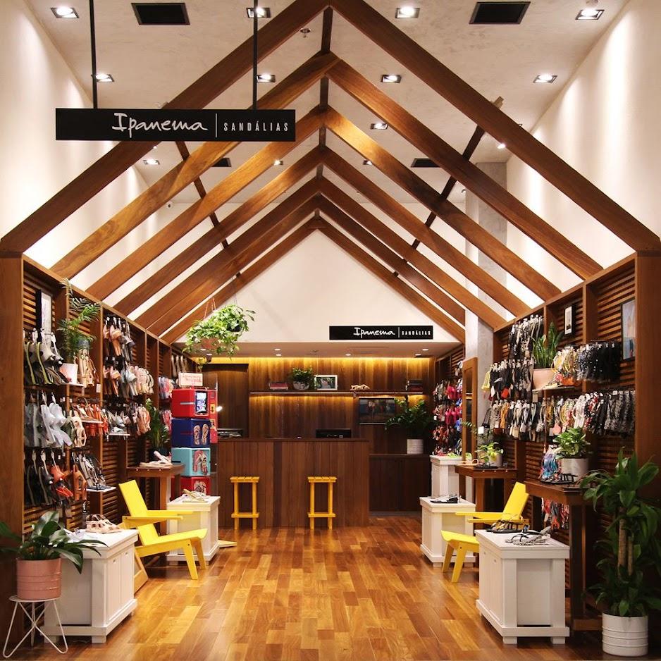 Thiết kế shop giày dép - Thiết kế cửa hàng giày dép 1
