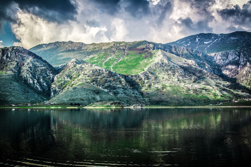 Solitary Lake di JohnnyGiuliano