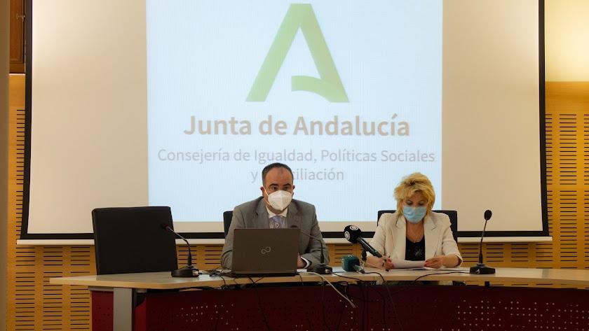 El delegado ha anunciado 70 nuevas plazas en residencias para Almería