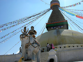 Photo: On the eastern side of Kathmandu is the huge stupa of Boudhanath, the largest stupa in Nepal and one of the largest in the world