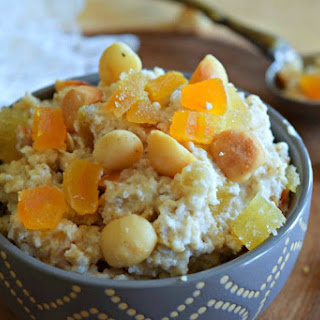 Apricot Ginger Macadamia Oatmeal Mix Recipe