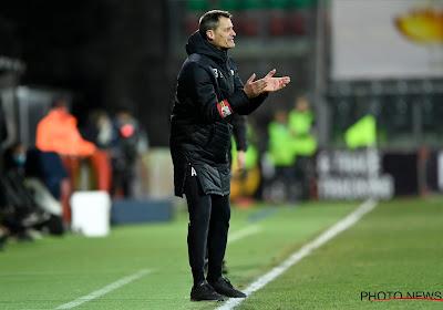 """Blessin en Van den Brom reageren na zespuntenmatch: """"Ik heb dat wel aangehaald"""" en """"Dat moet ik mezelf aanrekenen"""""""
