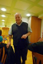 Photo: Christoph Dettwiler spendet grosszügig allen Anwesenden zu seinem kommenden 60. Geburtstag ein Dessert. Vielen Dank Christoph.
