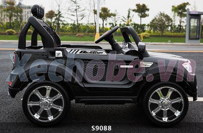 xe ô tô điện 4 động cơ cho bé 9088