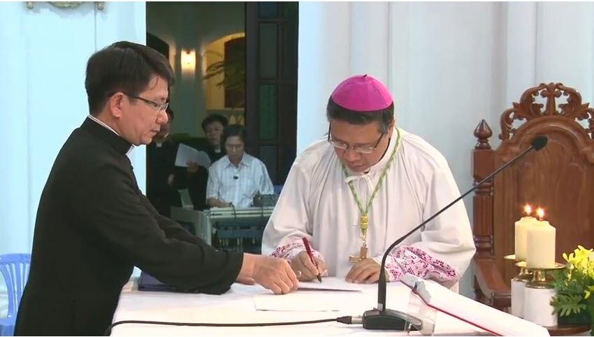 Nghi thức Tuyên thệ của Đức Tân Giám mục Luy Nguyễn Anh Tuấn - Ảnh minh hoạ 10