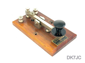 "Photo: Morse Key  Signalling Equipment Co. Potters Bar Middlesex  Ref.No. 2.N.P.  Midland Railway Syst. vor 1930  UK  ""G""  #312"