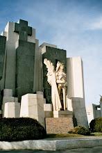 Photo: Salamone Cementerio de Azul