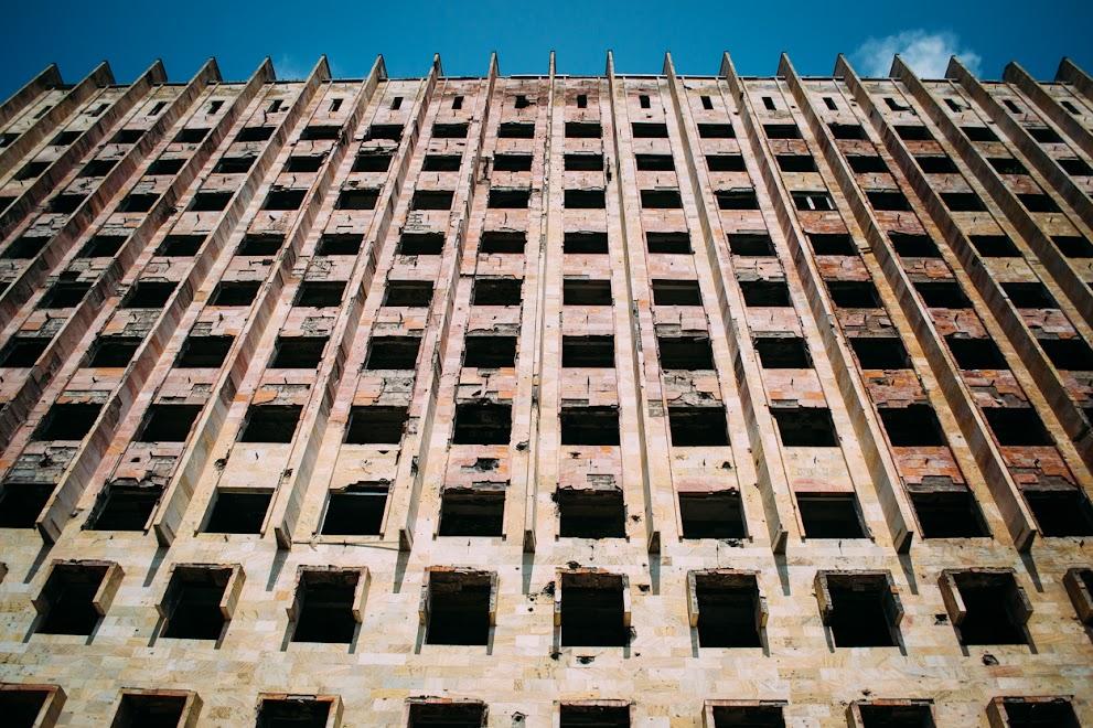 Заброшшенное здание Совета министров советской Абхазии