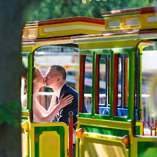 Wedding photographer Aleksandr Reus (Reus). Photo of 11.04.2016