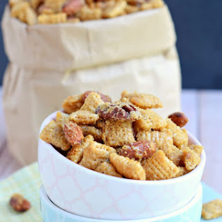 Nutty Caramel Snack Mix