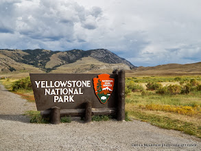 Photo: Yellowstone entrance sign at north entrance