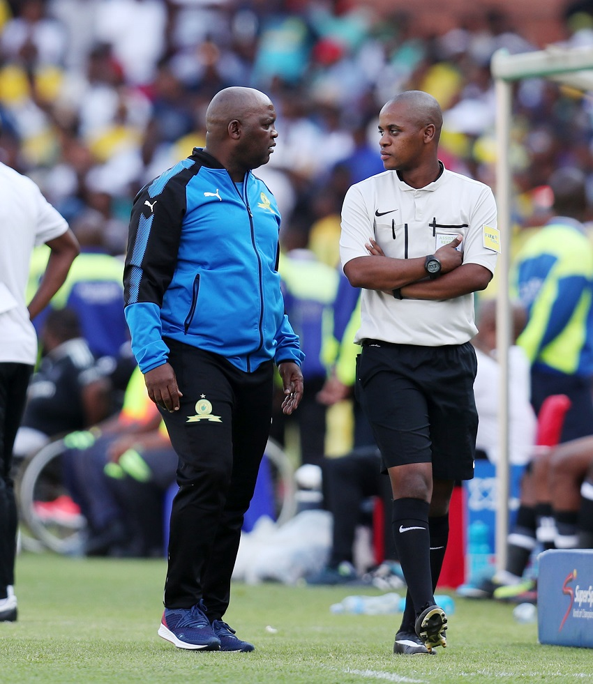 Pitso Mosimane, coach of Mamelodi Sundowns argues with the 4th Referee during the Absa Premiership 2017/18 match between Mamelodi Sundowns and Orlando Pirates at Loftus Versveld Stadium, Pretoria South Africa on 13 January 2018.