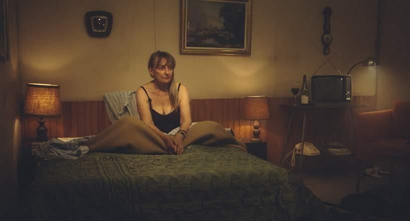 Una serie poética sobre la soledad en un motel por Thibault Bunoust