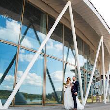 Wedding photographer Vladimir Antonov (vladimirphoto). Photo of 21.12.2017