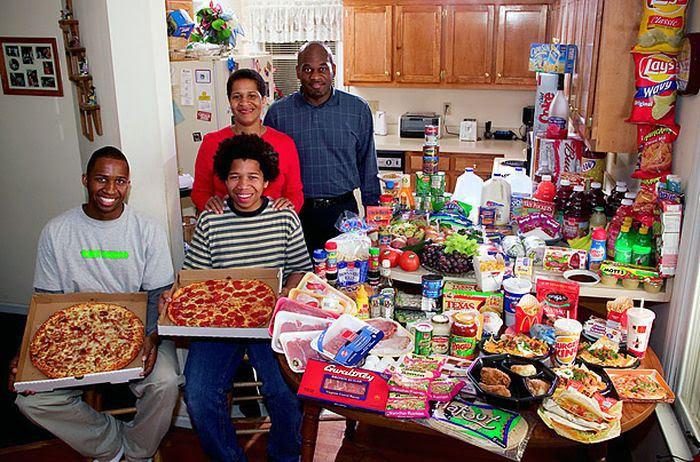 tUJ16MSkEW6JdZXpXtePPRdgGqV90gLvM6UR8lRkjZY=w700 h462 no - Недельный запас еды для семьи в разных странах мира (фото)
