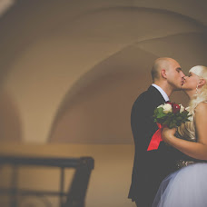 Wedding photographer Yuliya Vishnevskaya (camilaylia). Photo of 07.10.2015
