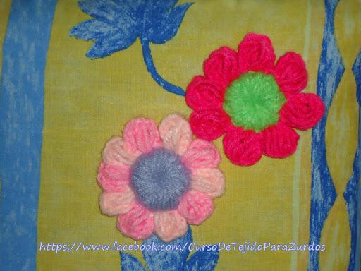 detalle de flores tejidas al crochet ganchillo para zurdos