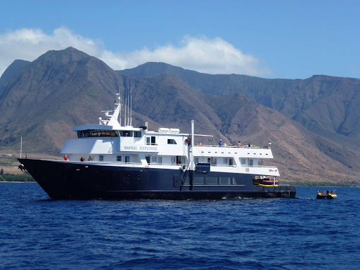 Safari_Explorer_in_Hawaii.jpg - The 36-passenger Safari Explorer moored in Hawaii.