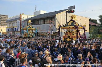 Photo: 【平成27年(2015) 本宮】 夜間渡御の開始。例年通り、本町とともに一本締め・神輿もみを披露する