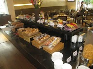 Cafe Treat - The Pride Hotel photo 15