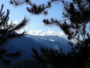 竜頭山を望む