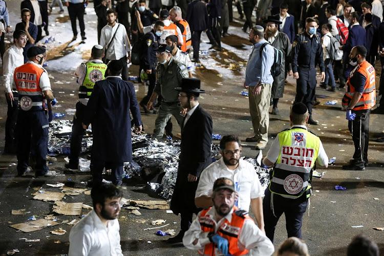 在2021年4月30日,在以色列北部的梅隆山梅尔蒙的Lag B'omer活动中参加了死者和受伤的人,其中报道了成千上万的超级正统犹太人在2nd-世纪圣诞节纪念活动,包括夜间祈祷和舞蹈。