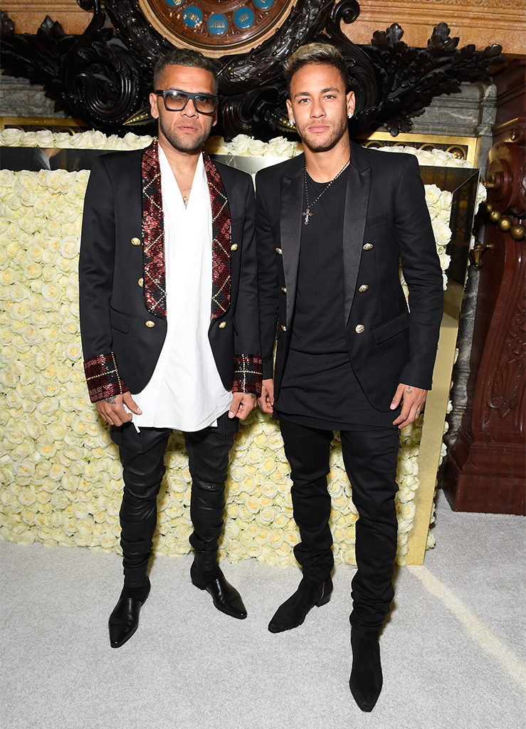 Dani Alves with Neymar