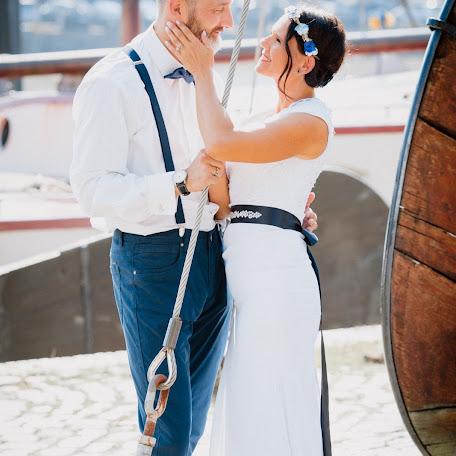 Wedding photographer Karsten Berg (fotomomente). Photo of 16.12.2017