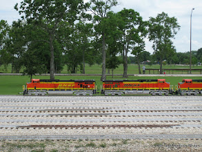 Photo: BNSF 7695 is being pushed by the other two locos.  BNSF 7601 is a slug.   HALS-SLWS 2009-0522