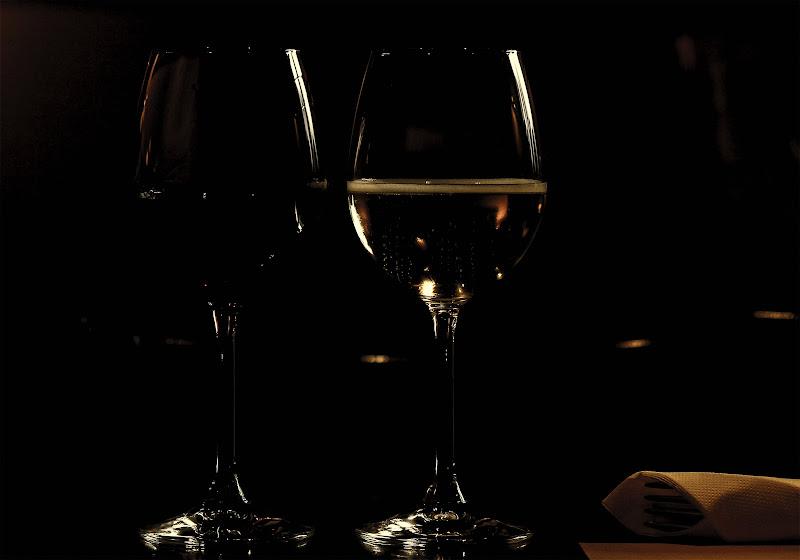 Luce che acarezza il bicchiere di Bibanto