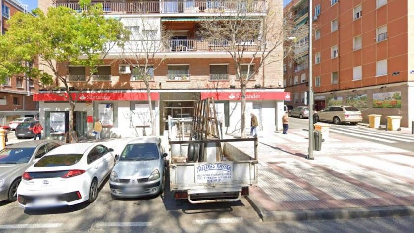 Edificio en el que ha sido hallado el cadáver de Isabel (Foto: Google Street)