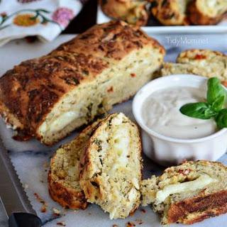 Cheese stuffed Chicken & Spinach Pizza Bread.