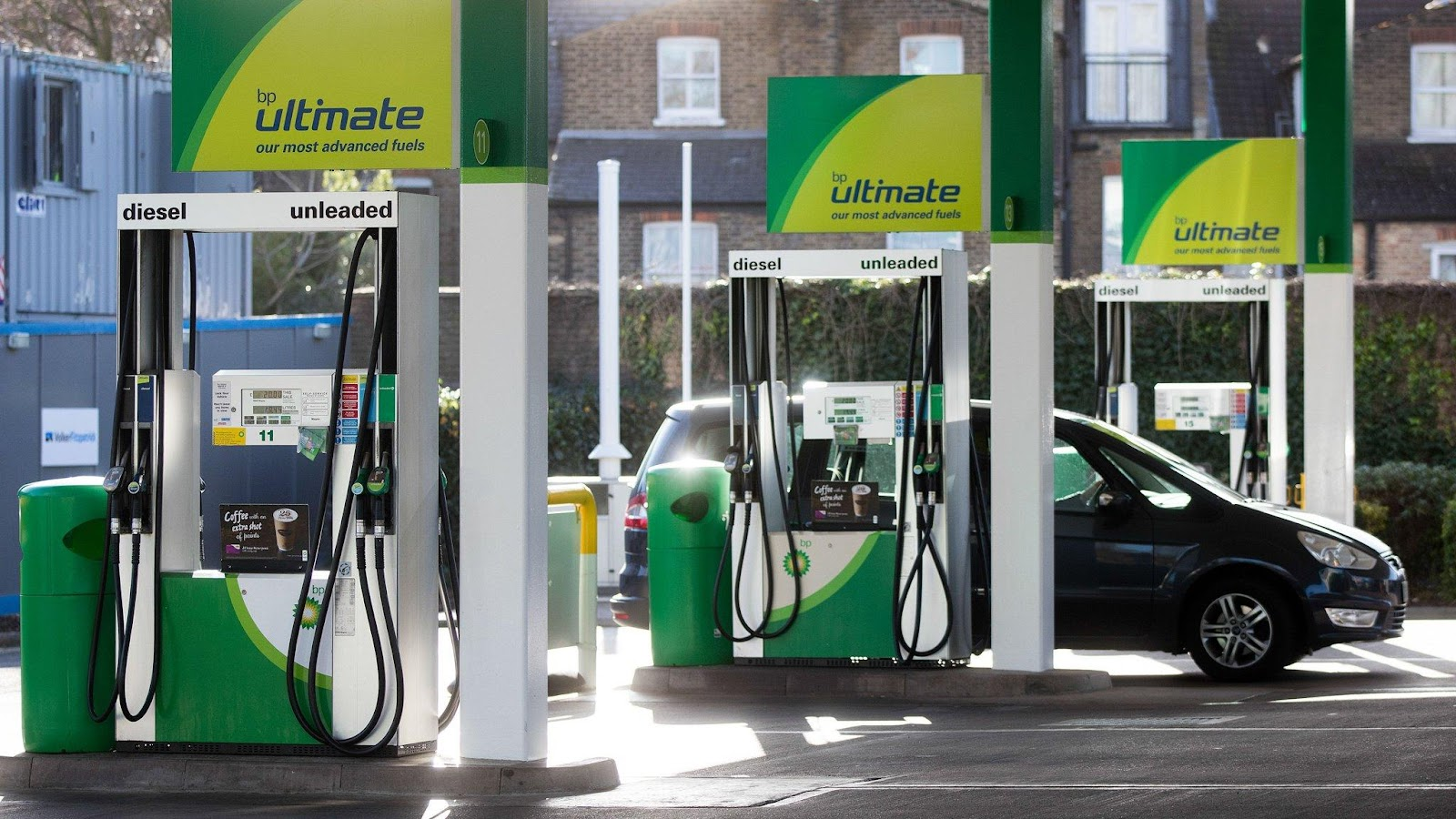 P buys 527 Australian fuel stations for $1.3bn | Financial Times