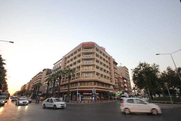 Grand Corner Hotel
