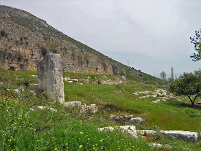 Photo: Limyra, Byzantine City Wall and unknown Monument .......... Limyra, Byzantijnse stadswallen met onbekend monument.