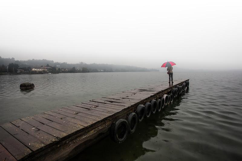 pioggia e nebbia al lago di angelo27