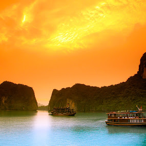 Ha Long Bay, Vietnam by Alister Munro - Transportation Boats (  )